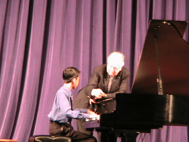 Eric Wei performs for Entremont