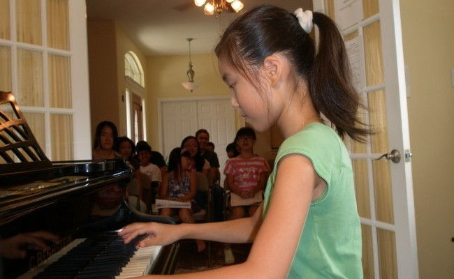 Susie Wang Plays for Group Class
